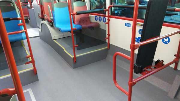 Presentaci n de los nuevos autobuses de emtusa for Camiones usados en asturias